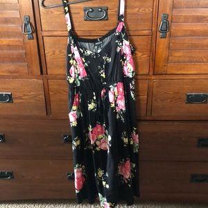 Torrid black and floral dress- 🌸 like new!
